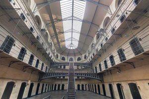 acadèmia ajudants institucions penitenciàries barcelona